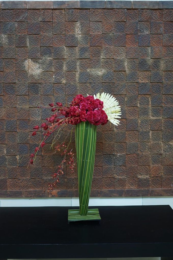 Balinese Floral Centrepieces by Make A Scene! Bali - 006