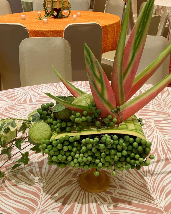 Balinese Floral Centrepieces by Make A Scene! Bali - 014