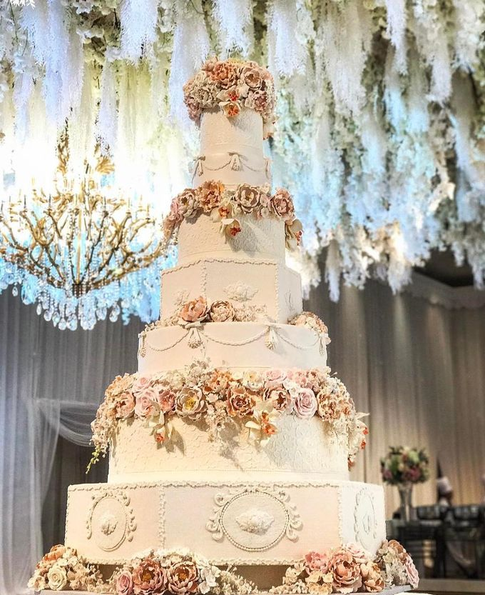 7 & 8 tiers Wedding Cake by LeNovelle Cake - 007