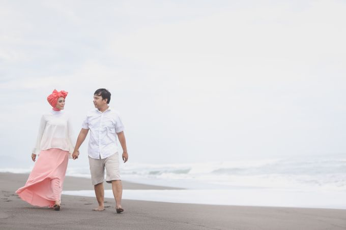 prewedding rosy & irul by Kite Creative Pictures - 010