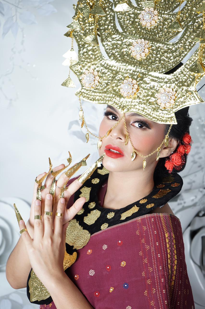 Makeup dan acc by melani indrawan by Melani Indrawan - 002