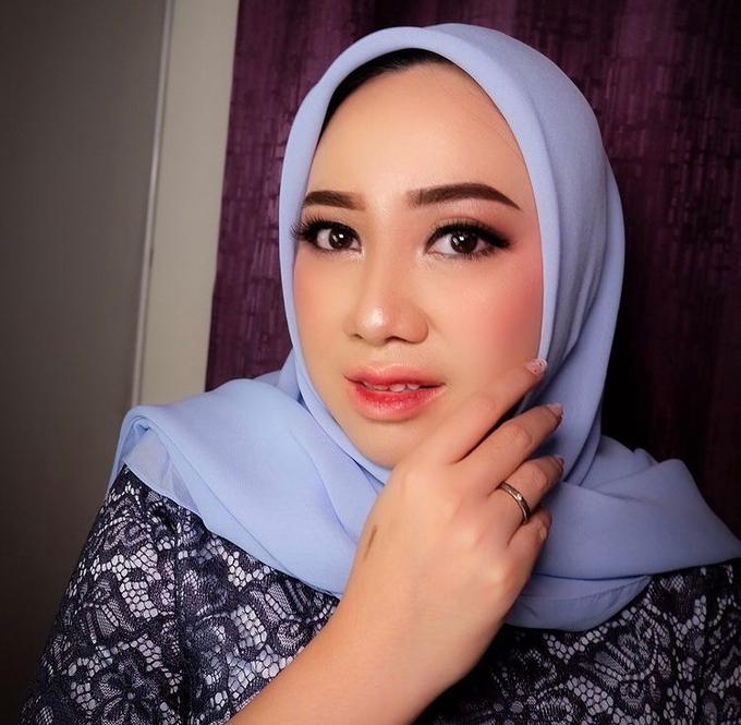 Party,Lamaran dan Sister of bride makeup by Melani Makeup dan Attire - 006
