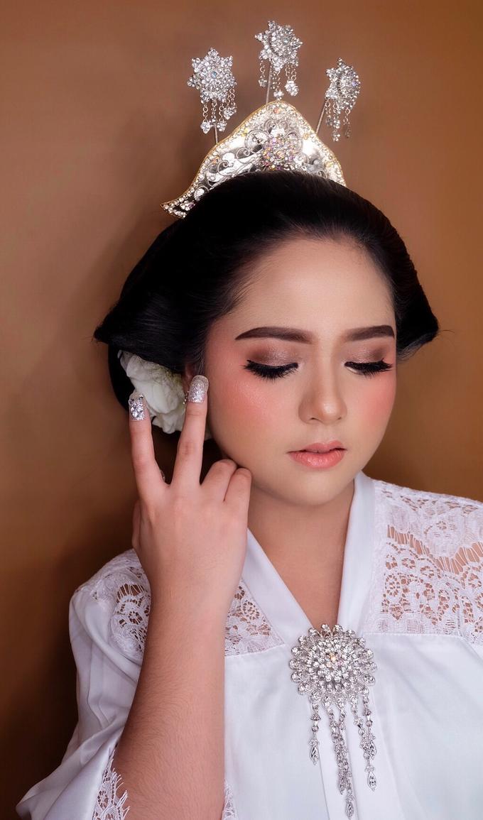 Makeup dan acc by melani indrawan by Melani Indrawan - 010