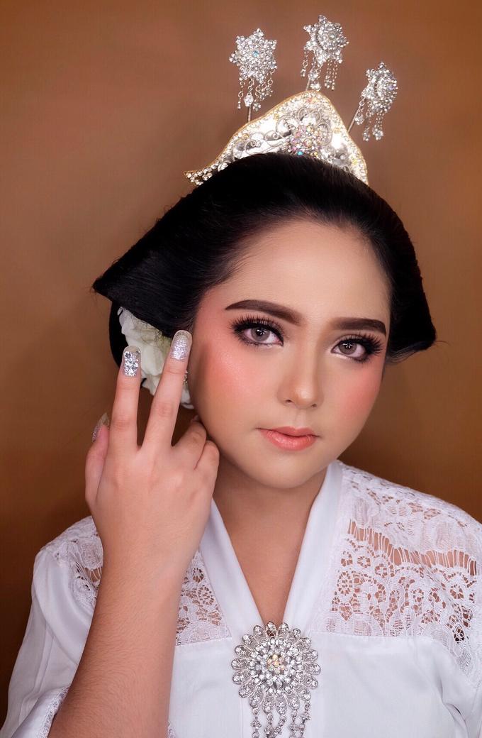 Makeup dan acc by melani indrawan by Melani Indrawan - 011