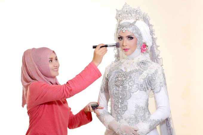 Photoshoot Wedding Model 1 by Dian Salon - 004