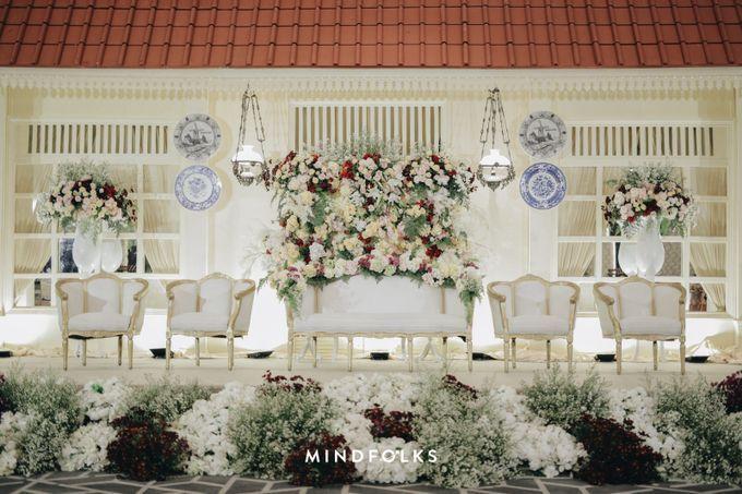Compilation of Traditional Wedding Stage Decor 10F by  Menara Mandiri by IKK Wedding (ex. Plaza Bapindo) - 005