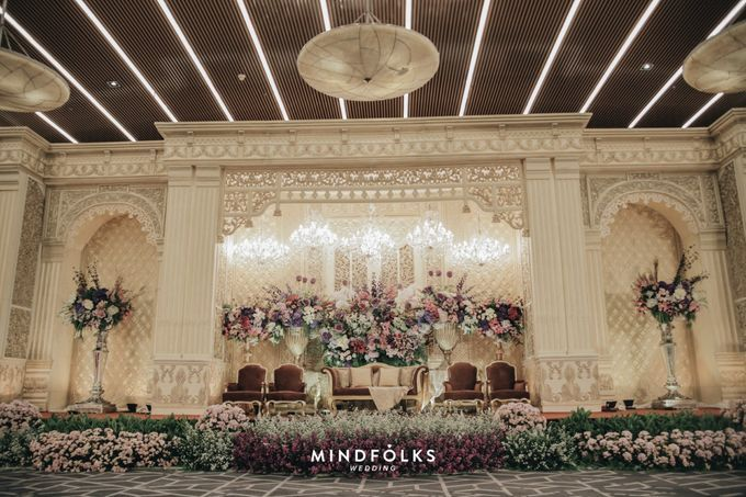 Compilation of Traditional Wedding Stage Decor 10F by  Menara Mandiri by IKK Wedding (ex. Plaza Bapindo) - 001