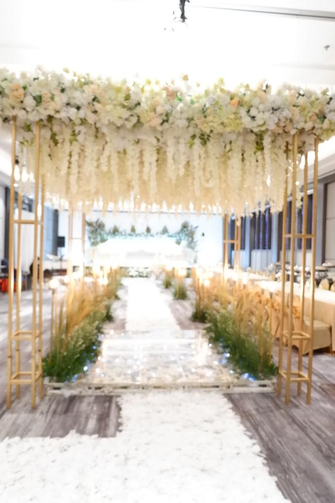 SKY BALL ROOM WEDDING KURNIAWAN & RIRIN by Mercure Jakarta Sabang - 027