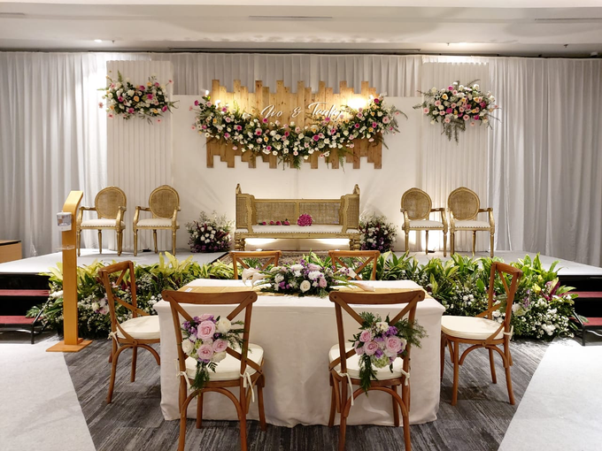 The Wedding Of Ms. Ivo & Mr. Taufiq by Mercure Jakarta Sabang - 001