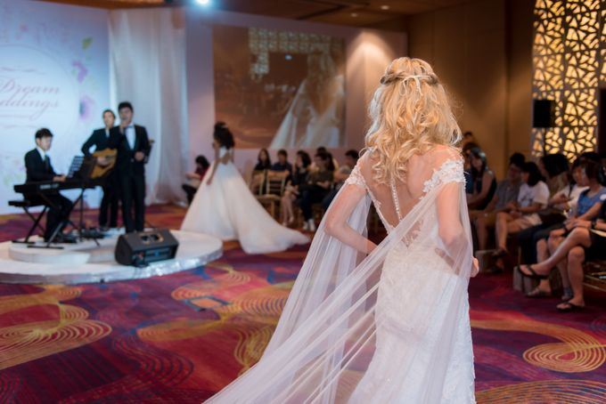 Bridal Gown Fashion Show At Mandarin Orchard Singapore by La Belle Couture Weddings Pte Ltd - 019