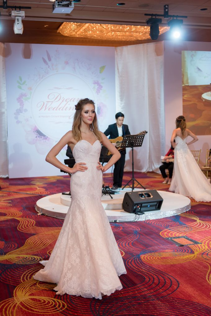 Bridal Gown Fashion Show At Mandarin Orchard Singapore by La Belle Couture Weddings Pte Ltd - 020