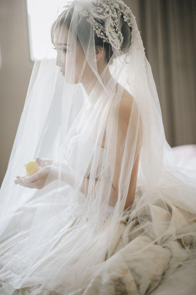 THE WEDDING OF RIKA & TOMMY by natalia soetjipto - 006