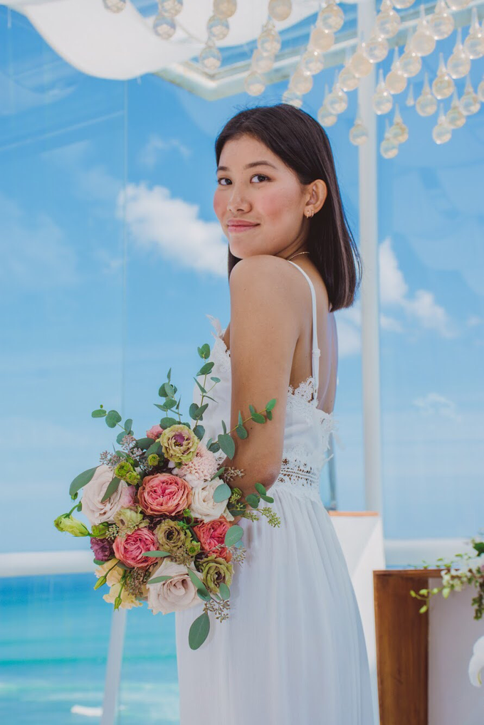 Bright and Beautiful Bridal Bouquet by Mfreshflowers - 003
