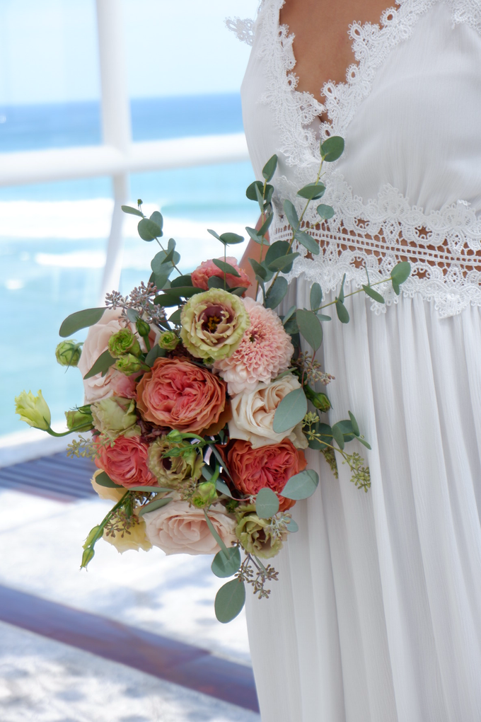 Bright and Beautiful Bridal Bouquet by Mfreshflowers - 006