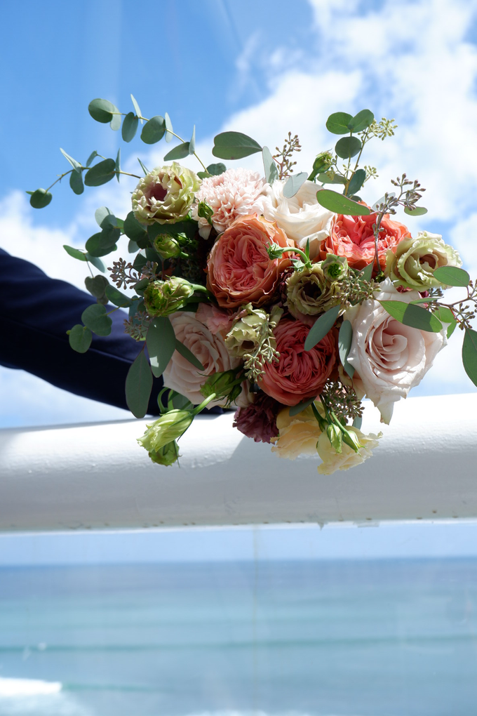 Bright and Beautiful Bridal Bouquet by Mfreshflowers - 008
