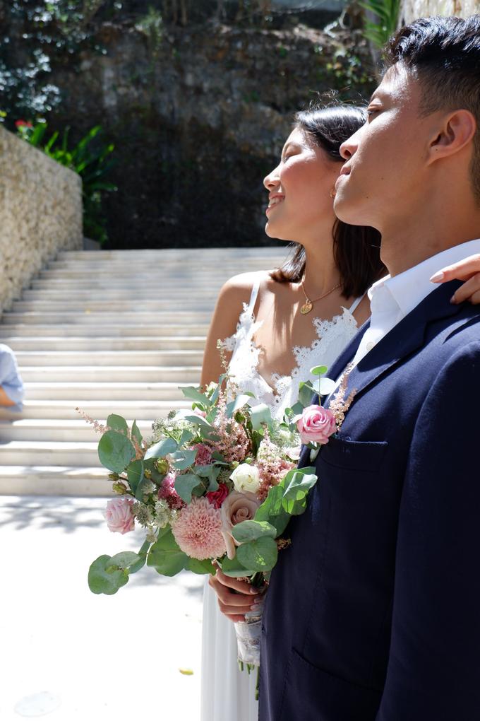 Rustique Bridal Bouquet by Mfreshflowers - 005