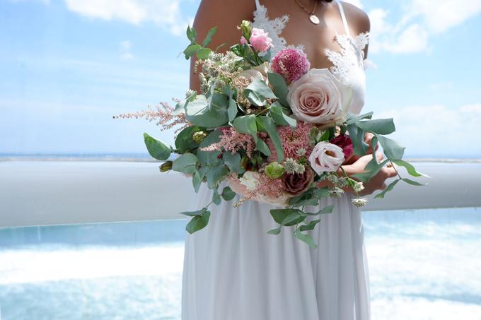 Rustique Bridal Bouquet by Mfreshflowers - 008