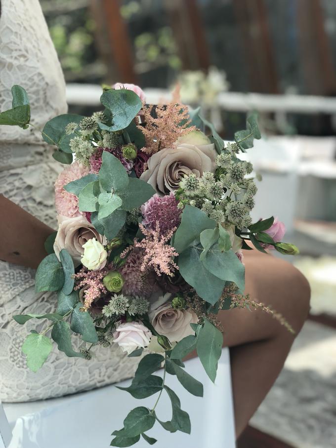 Rustique Bridal Bouquet by Mfreshflowers - 009