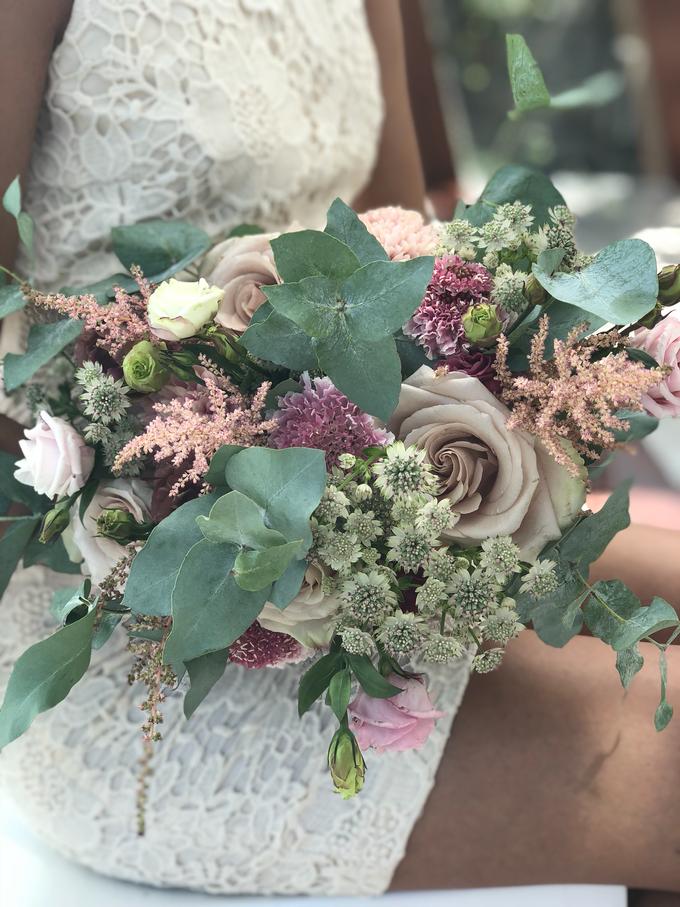 Rustique Bridal Bouquet by Mfreshflowers - 010
