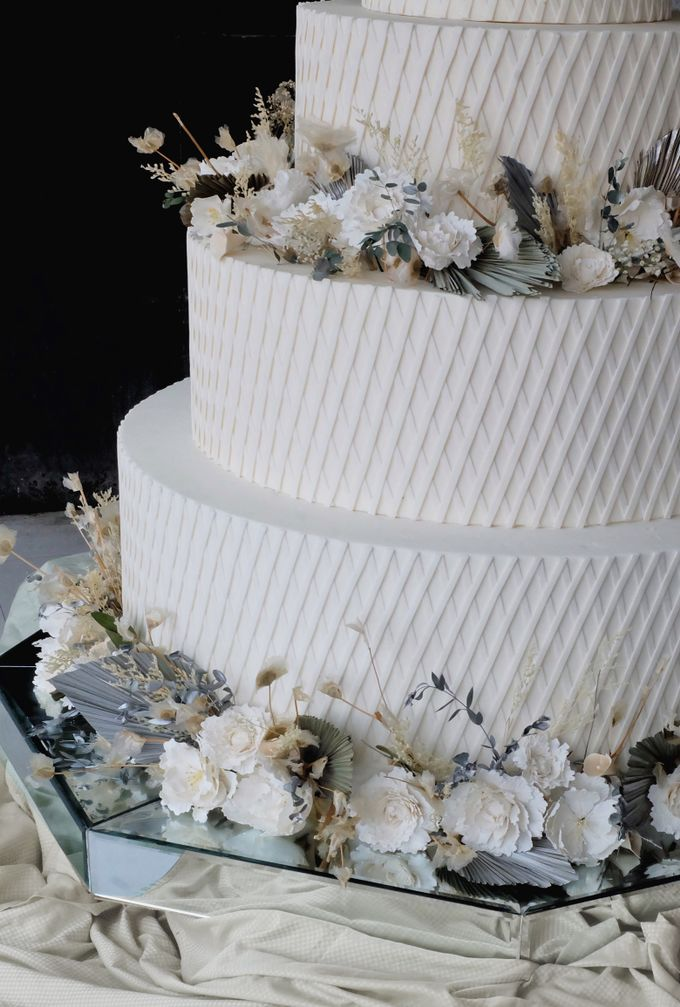 The Wedding of Kenny & Michelle by KAIA Cakes & Co. - 010