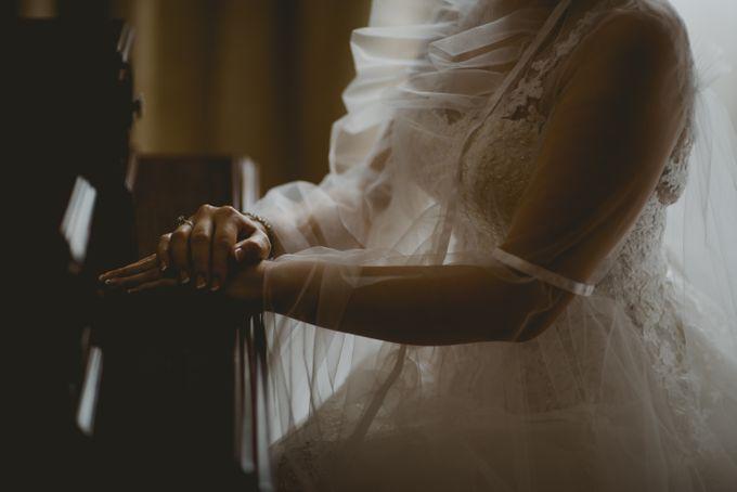 Mimi & Ian Wedding Ceremony by ATIPATTRA - 002