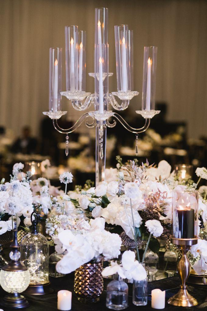 White Elegance by Fleurs At Marrakesh - 002