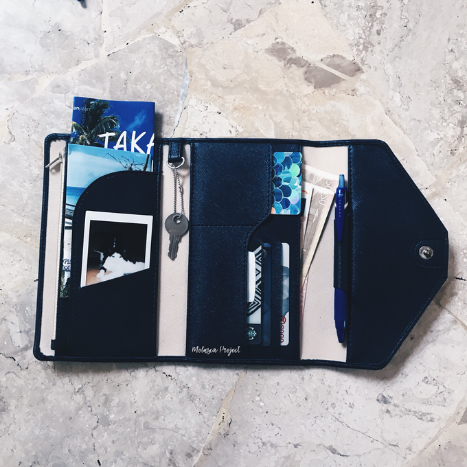 Customized travel wallet ( Wedding Souvenir ) by Molusca Project - 001