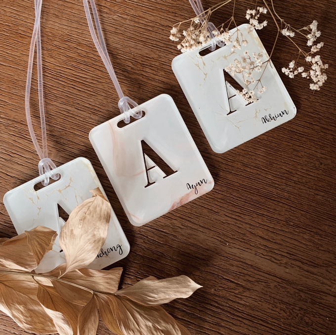 Table placement Bag Tags by Molusca Project - 001