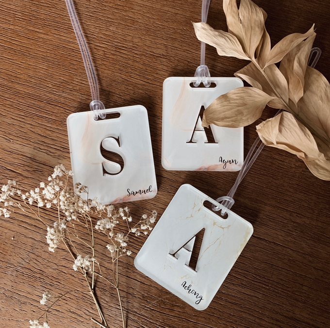 Table placement Bag Tags by Molusca Project - 002