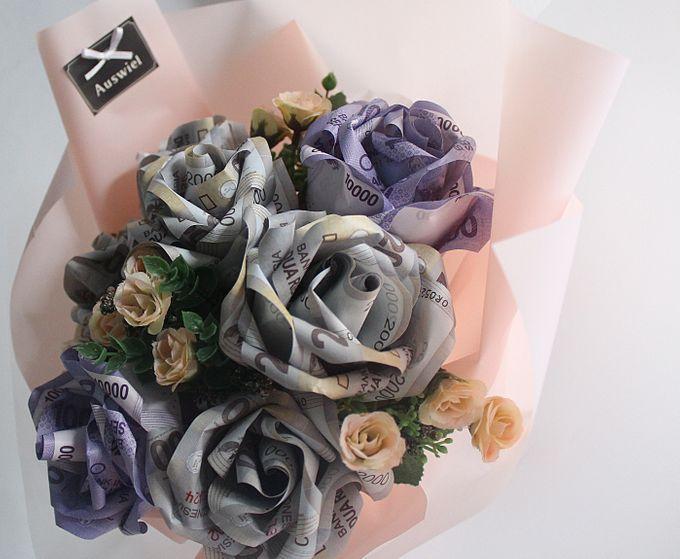 Money Bouquet by La Belle Vie flower - 004