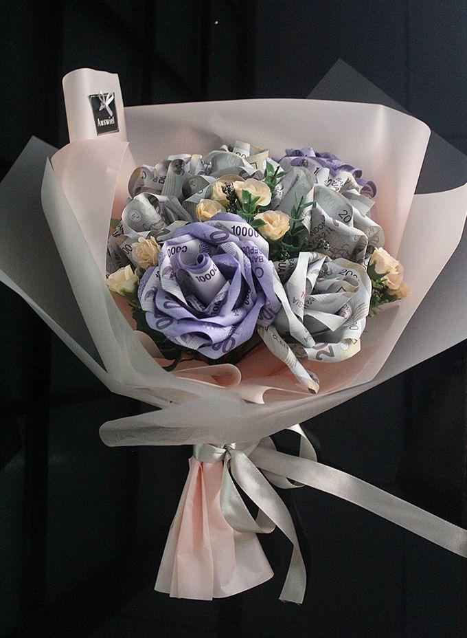 Money Bouquet by La Belle Vie flower - 005