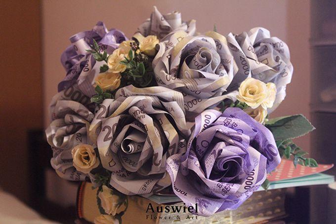 Money Bouquet by La Belle Vie flower - 001
