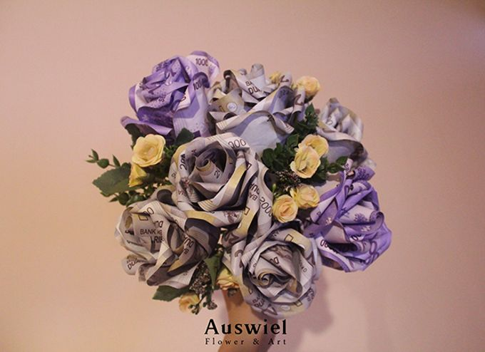 Money Bouquet by La Belle Vie flower - 002