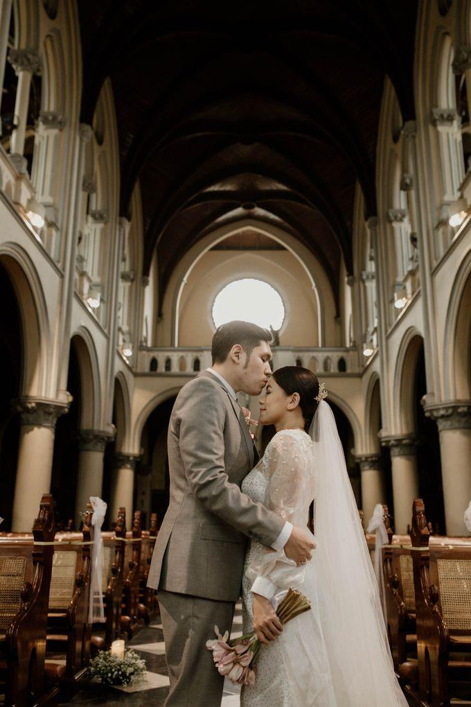 Kevin & Monica Wedding at Hermitage Jakarta by AKSA Creative - 032