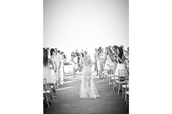 Modern, Fashion forward wedding at The Montecito Country Club by Kiel Rucker Photography - 019