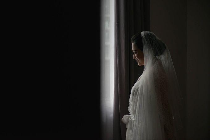 Yuripto & Vina Wedding by MariMoto Productions - 009