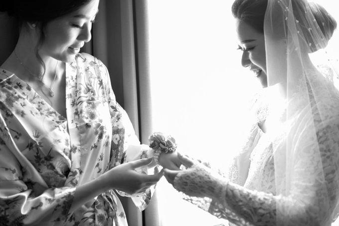 Yuripto & Vina Wedding by MariMoto Productions - 010