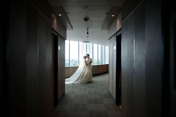 Yuripto & Vina Wedding by MariMoto Productions - 012