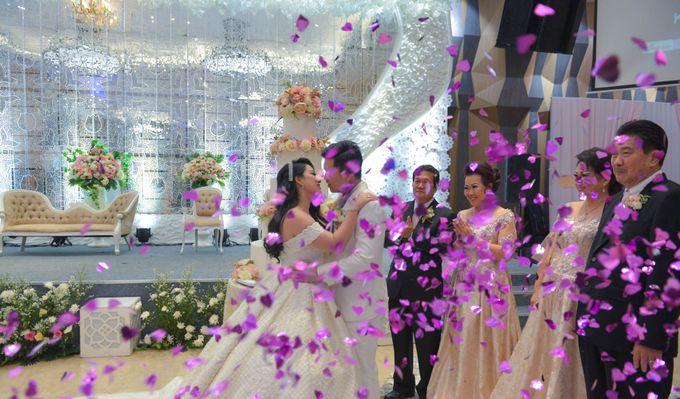 Yuripto & Vina Wedding by MariMoto Productions - 013