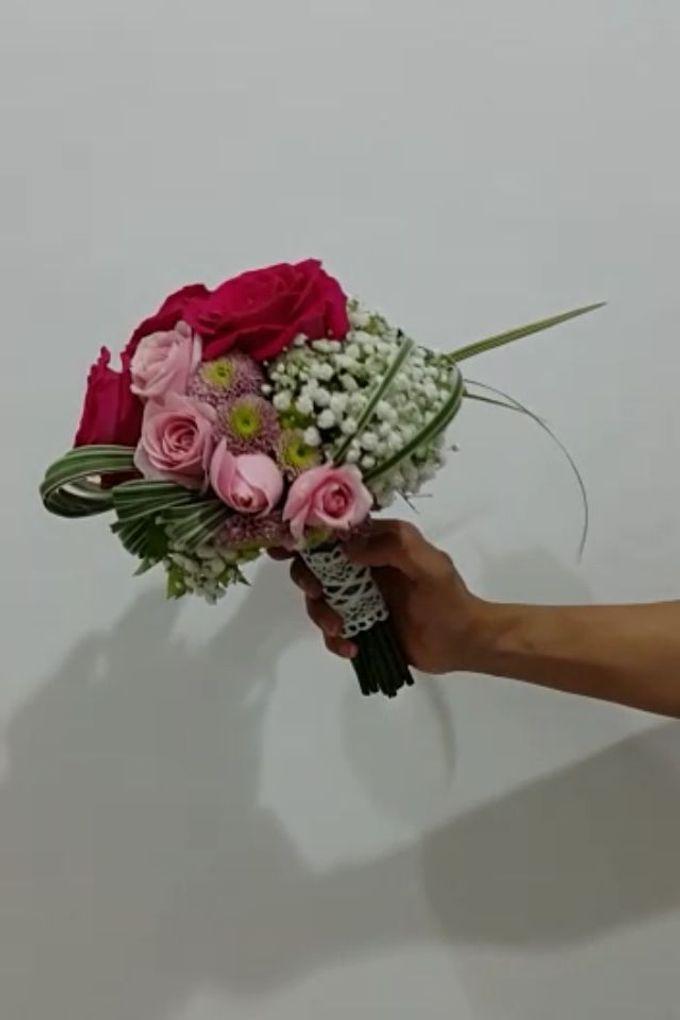 Fushia Bridal Bouquet by Amaryllis Floral Art - 004