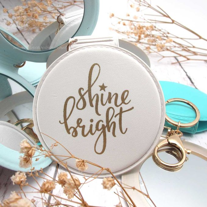 Exclusive Folded Mirror With Keychain by Fine Souvenir - 012