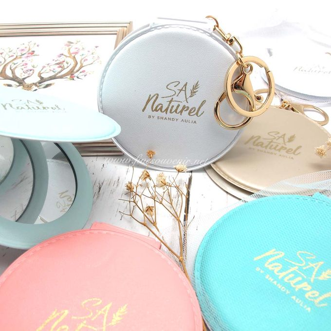 Exclusive Folded Mirror With Keychain by Fine Souvenir - 003