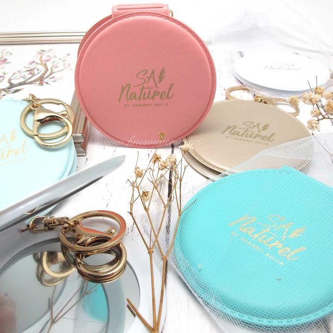 Exclusive Folded Mirror With Keychain by Fine Souvenir - 005