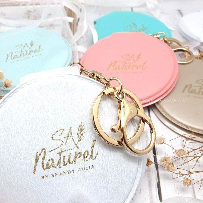 Exclusive Folded Mirror With Keychain by Fine Souvenir - 008