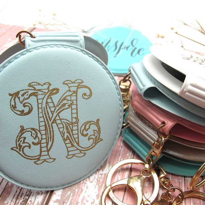 Exclusive Folded Mirror With Keychain by Fine Souvenir - 002