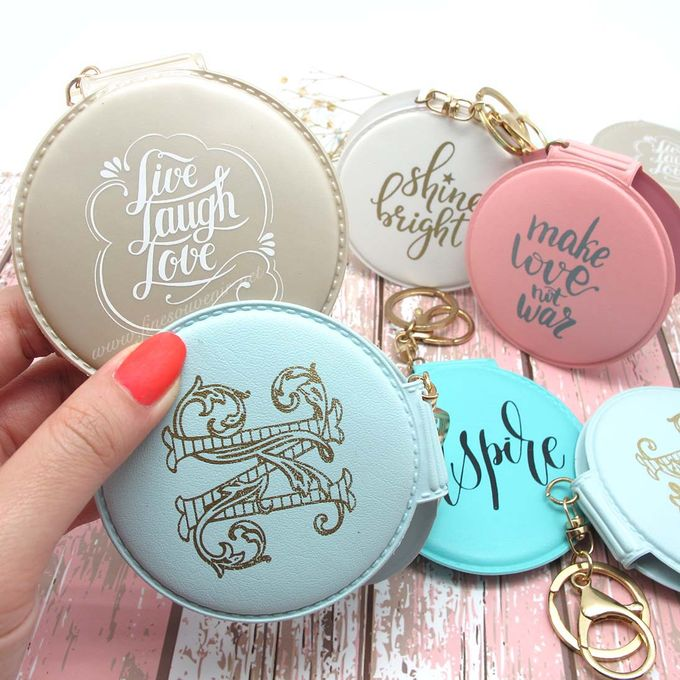 Exclusive Folded Mirror With Keychain by Fine Souvenir - 011