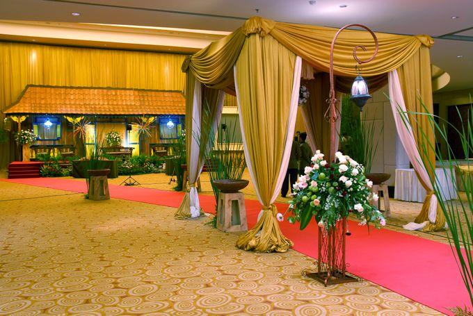 Pernikahan Adat by The Palms Ballroom - 004