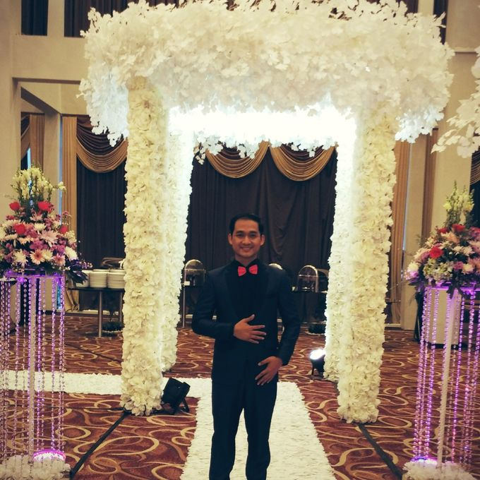 MC Wedding and Ceremony Echy & Iyan by She La Vie Organizer & Decoration - 002