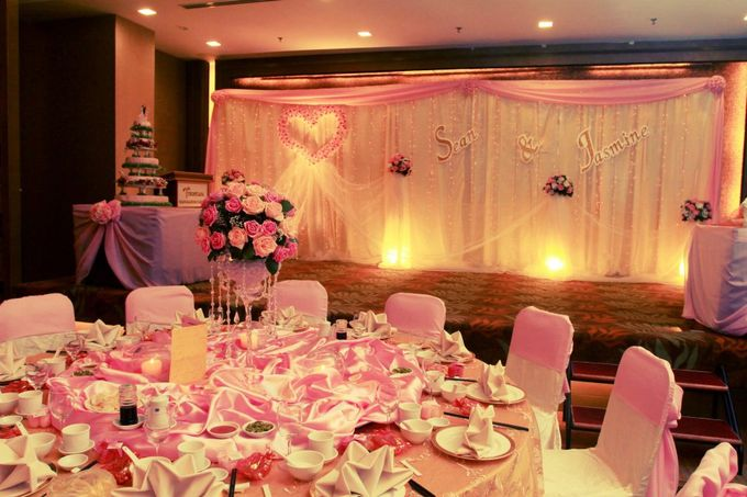 Stage Backdrop Design by Wedding And You - 009