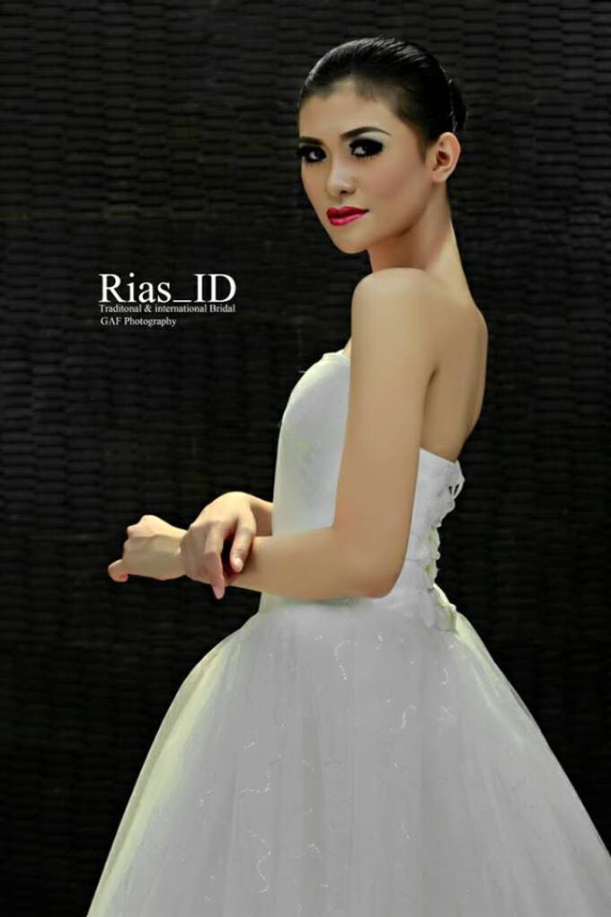 Bridal Make Up & Free Hunting Photographer by Rias ID - 006